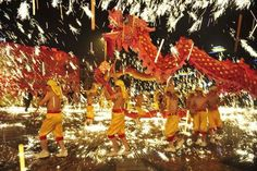 Kết quả hình ảnh cho Lễ hội Hari Raya của những người theo đạo Hồi