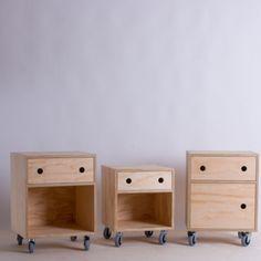 Plywood bedside table                                                                                                                                                      Más
