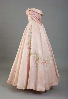 Vintage Rose Quartz strapless gown with appliqués.  Lady-Gray-Dreams