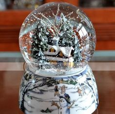 Wow this one is a beauty! #snow_globes