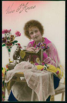 Lady Dressmaker SINGER Sewing Machine original vintage 1930s photo postcard
