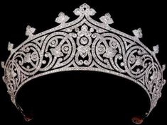 Lady Mountbatten's tiara; Thought to have been made around 1910 by a leading French jeweller, possibly Chaumet or Cartier. The tiara and jewels were passed on to Lady Mountbatten's daughter. British Crown Jewels, Royal Crown Jewels, Royal Crowns, Royal Tiaras, Royal Jewelry, Tiaras And Crowns, Fine Jewelry, Diamond Tiara, Diamond Cuts