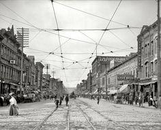 """Chattanooga, Tennessee, circa 1907. """"Market Square."""""""