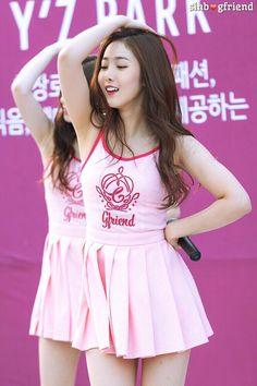 dedicated to female kpop idols. Sexy Asian Girls, Beautiful Asian Girls, Sinb Gfriend, Pretty Asian, Cute Girl Outfits, Stage Outfits, Korean Model, Ulzzang Girl, Asian Fashion