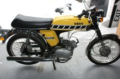 Yamaha Fizzy moped FS1. I'LL BE YOUR PLUS ONE.: