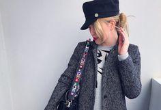 кепка-фуражка и сумка с широким ремнем Fendi
