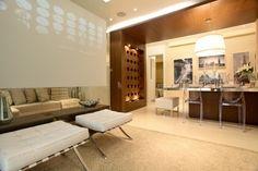 Decoração utiliza estratégias variadas para ampliar espaços em apartamento de 75 m² - Casa e Decoração - UOL Mulher