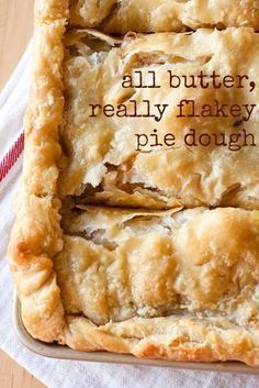 All Butter, Really Flakey Pie Dough- Theres no comparison: butter beats shortening for pie dough. This all butter really flakey pie dough is THE BEST pie dough recipe out there and you wont believe how easy it is to make! Flakey Pie Crust, Easy Pie Crust, Homemade Pie Crusts, Pie Crust Recipes, Pastry Recipes, Baking Recipes, Best Pie Crust Recipe, Pie Dough Recipe Butter, All Butter Pie Crust