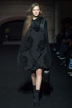 Simone Rocha Autumn-Winter 2015-2016 (Fall 2015) Ready-to-Wear, shown February 2015