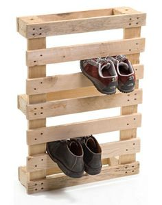 There are many ways to recycle and reuse an old wooden pallet. From pallet furniture to a pallet garden, the projects that can be done are endless. A picnic table made from a pallet A garden bed made from recycled Pallet Crafts, Pallet Projects, Diy Projects, Project Ideas, Diy Crafts, Woodworking Projects, Woodworking Machinery, Recycled Pallet Furniture, Old Pallets