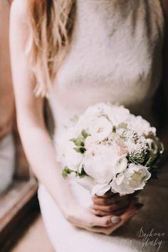 INNA Studio_wedding session / city session / sesja ślubna / kwiaty na sesje / bukiet na sesje / fot. Bajkowe Śluby