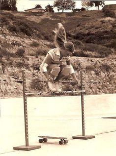 40 Portraits de femmes qui ont fait changer le cours de l'histoire pour toujours : Ellen O'Neal, l'une des premières skateuses professionnelles. (1976)