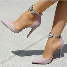 Pointed Toe Line-Style Schnalle Strass Stiletto Heel Damen Pumps . - Pointed Toe Line-Style Schnalle Strass Stiletto Heel Damen Pumps - Dream Shoes, Crazy Shoes, Me Too Shoes, Women's Shoes, Golf Shoes, Cute Shoes Heels, Shoes Style, Nice Heels, Shoes Sport