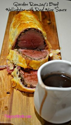 Gordon Ramsay's Beef Wellington with Red Wine Sauce : pinkpostitnote Gordon Ramsay Beef Wellington, Wellington Food, Beef Wellington Sauce, Beef Wellington For Two Recipe, Easy Beef Wellington, Meat Recipes, Cooking Recipes, Oven Recipes, Sirloin Recipes