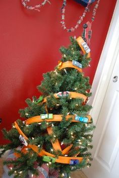 Hot Wheels Christmas Tree! Some did a great job with this. I think I'm going to have to steal this idea next Christmas!