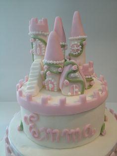 Dulce Emma: Tarta Castillo de Princesas (Cumpleaños de Emma parte II)