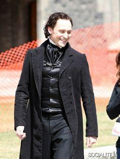 Tom Hiddleston & Mia Wasikowska Sport Period Clothing For 'Crimson Peak'