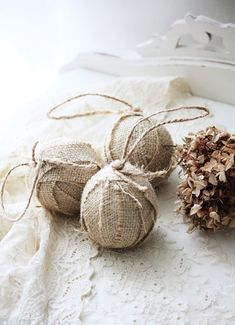Color Outside the Lines: LOVE ... Christmas Burlap