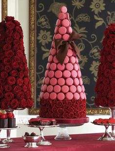 Macaroon Topiary | The Cake Parlour - Sweet Tables (Zoe Clark is a genius!)