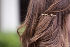 DIY Wordy Hairpins girly diy accessories craft craft ideas diy ideas diy crafts do it yourself crafty diy accessories hairpins girly diy Barrettes, Scrunchies, Beauty Trends, Beauty Hacks, Beauty Tips, Alphabet Pasta, Do It Yourself Fashion, Natural Hair Styles, Long Hair Styles
