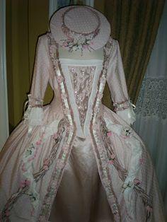 TRAJES DE EPOCA: Vestido rosa S:XVIII   (Tallas 46 a la 48)