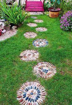 Kieselstein Mosaik für Trittsteine