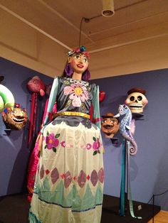 Puppets that are paraded during Mexican festivals.