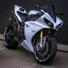 L'image contient peut-être : moto Super custom sport bike motorbikes 47 ideas Must watch. Tag The Owner. Yamaha R1, Yamaha Motorcycles, Custom Motorcycles, R1 Bike, Moto Bike, Motorcycle Outfit, Motorcycle Bike, R1 Moto, Catch