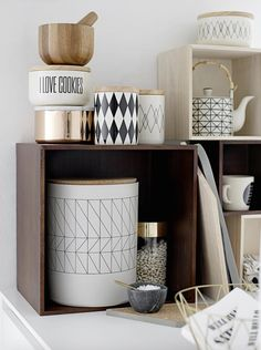 Cube storage helps you use vertical space wisely. | bloomingville_kuechenutensilin