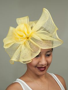 Yellow Derby | Fascinator Sinamay Hats, Millinery Hats, Fascinator Hats, Fascinators, Headpieces, Kentucky Derby Fascinator, Derby Hats, Yellow Fascinator, Types Of Hats