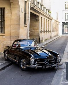 – Mercedes-Benz 300 SL Gullwing – The Best or Nothing… The Unbeatable… Beauties I grew up with… ? – Mercedes-Benz 300 SL Gullwing – The Best or Nothing… The Unbeatable… Beauties I grew up with… ? Mercedes Auto, Mercedes Benz 300 Sl, Mercedes Classic Cars, Mercedes Benz Autos, Bmw Classic Cars, Mercedes Black, Audi, Classic Cars British, Exotic Cars
