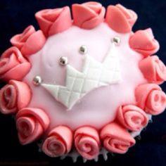 Princess Crown Cupcakes Crown Cupcakes, Pastel Cupcakes, Princess Cupcakes, Cake Decorations, Party Ideas, Baby Shower, Decorating, Desserts, Food
