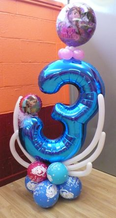 The Great British Balloon Company Birthday Balloon Decorations, Happy Birthday Balloons, 1st Birthday Parties, Balloon Centerpieces Wedding, Qualatex Balloons, Foil Balloons, Disney Frozen Birthday, Frozen Party, Balloon Columns