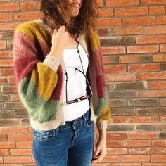 Sorbet 🤩 _______________________________________________________ Alle detaljer om farger ligger på ravelry ☺️ . #sorbetcardigan… Cardigan Pattern, Knit Cardigan, Crochet Woman, Knit Crochet, Big Knits, Evening Outfits, Sweater Shirt, Pretty Outfits, Knitwear