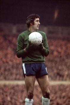 Peter Bonetti, Chelsea Fc, Goalkeeper, Manchester United, Hipster, Football, Running, 1970s, Faces