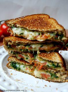 Mozzarella Tomatp Pesto Sandwich