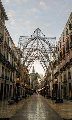 #Malaga gør klar til julen 2014 - udsmykningen i Calle Larios minder om en katedral! #jul #jul2014 #julelys