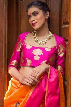 Indian bride looks the best when she wear a saree!!! #indiansaree #sareedesigns #designersaree #sareedesigns #latestsareedesigns #eventila #saree #blousedesigns #latestblousedesigns #blouses #sareeblouses