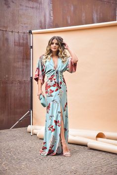 Pretty Lengthy Attire for the Summer season to look Subtle and Recent Informations About Fashion Trends 40 year old Pin You can easily use. Elegant Dresses, Cute Dresses, Beautiful Dresses, Summer Outfits, Casual Outfits, Summer Dresses, Special Dresses, Love Fashion, High Fashion