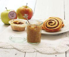 Zimtschnecken, Apfelkompott, cinnamon rolls, stewed apples