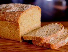 Un verdadero pan con sabor a naranja. De textura esponjosa, ligeramente dulce y auténtica delicia casera. Bread Recipes, Cake Recipes, Protein Bread, Gluten Free Banana Bread, Pan Dulce, Grain Foods, Pan Bread, Sin Gluten, Cornbread