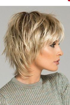 chubby women over 50 inverted bob with fringe Beautiful Short Shaggy Fall Winter Hairstyles Ideas For Women Blonde Hairchubby woman over 50 inverted bob with fringe Best Layered Bob Hairstyles for Women Over 33 Short Layered Haircuts Right NowSho Short Shag Hairstyles, Short Layered Haircuts, Short Hairstyles For Women, Hairstyles With Bangs, Winter Hairstyles, Braided Hairstyles, Layered Short Hair, Shaggy Haircuts, Male Hairstyles