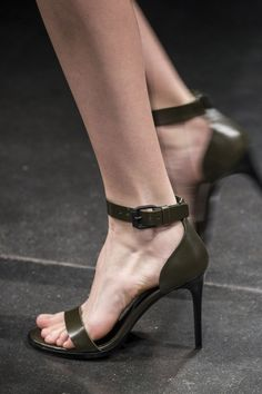 Ter et Bantine at Milan Fall 2015 (Details)