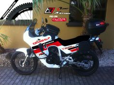 transalp in custom colors Honda Motorbikes, Honda Africa Twin, Dual Sport, Cars And Motorcycles, Rally, Racing, Adventure, Pictures, Scrambler