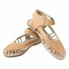 Vales gives you best quality bonzer Brown synthetic leather sandals in gurgaon. For more information visit www.vitindia.com