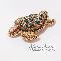 Gold Office Decor, Mythical Creatures, Beaded Embroidery, Sculpting, Beaded Jewelry, Beach Room, Brooch, Beads, Turtles