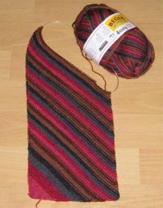 Knitting a diagonal scarf / Einen schrägen Schal stricken - Pattern only in…