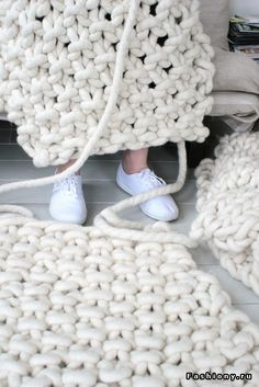 Модные аксессуары из толстой пряжи, для себя и интерьера / толстая пряжа marine