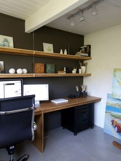 http://redneckmodern.typepad.com/redneckmodern/2011/08/lauras-zebrawood-desk.html