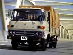Mitsubishi Fuso FK '1976–80 Mitsubishi Motors, Japanese Cars, Classic Trucks, Old Cars, Cars And Motorcycles, Recreational Vehicles, Buses, Korean, Vans